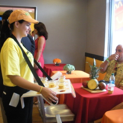El evento del McCafé Mango Pineapple Real Fruit Smoothie en Miami