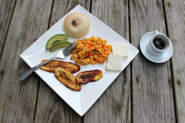 Desayuno Venezolano: Perico - Mamá Contemporánea