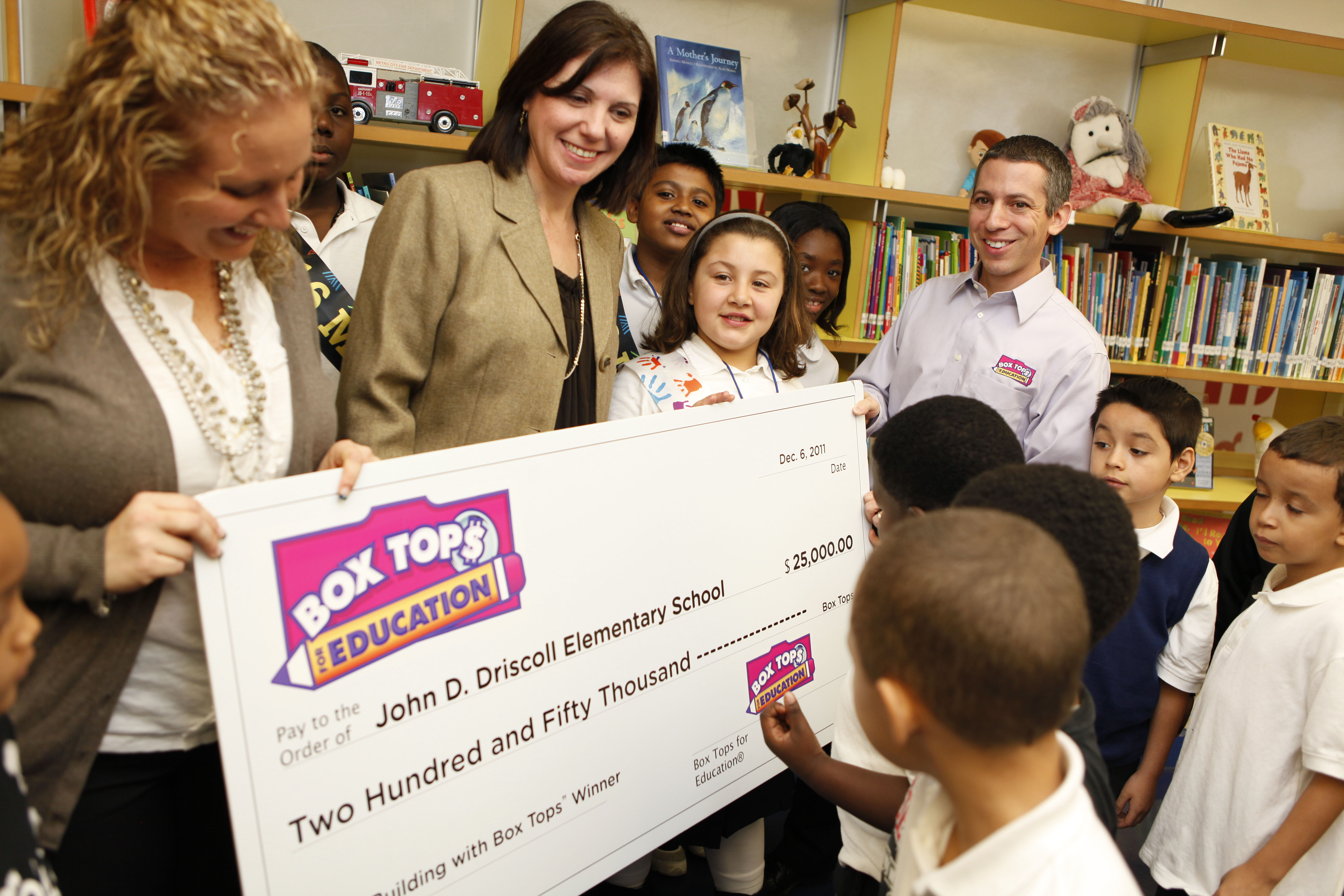 Escuela Pública de Staten Island, Recibió $25,000 en Cupones de Box Tops for Education
