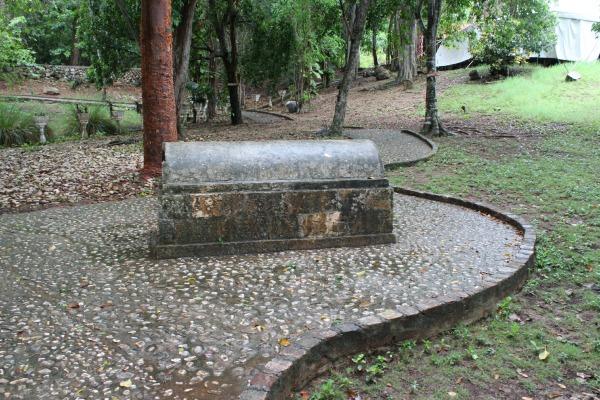 En esta tumba, reposan supuestamente los restos de Annie Palmer