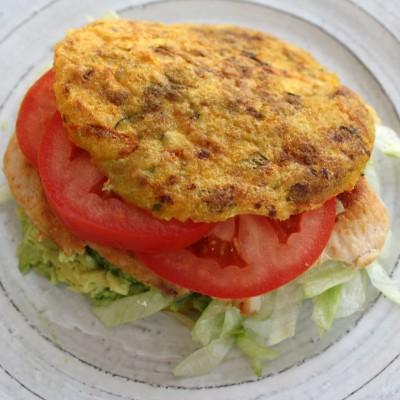 Receta: Arepa Fit de Calabacín, Zanahoria y Cebollín