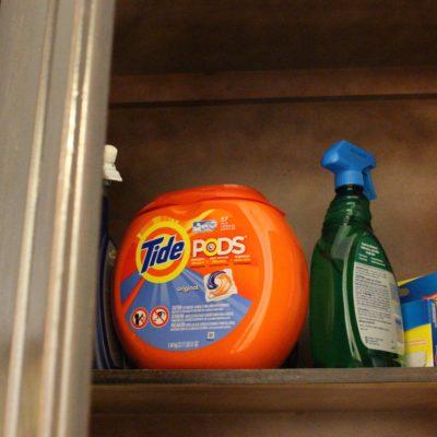 Detergentes y Seguridad en el Cuarto de Lavado