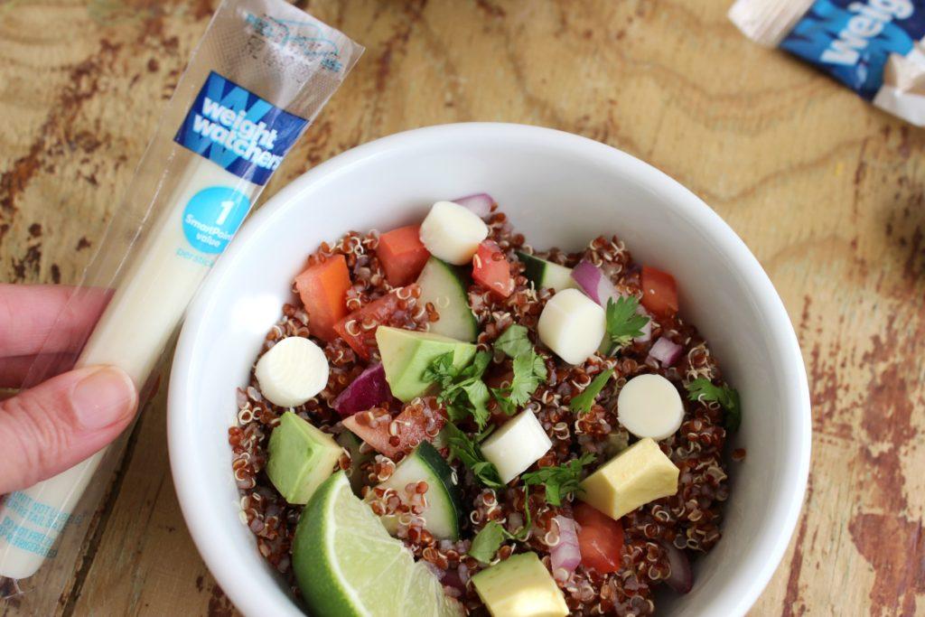Plato de Quinoa con Tomate, Aguacate y Queso