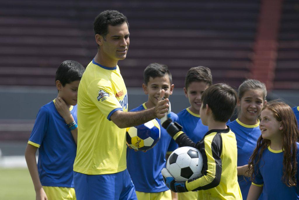 Nesquik and Rafa Marquez Goalie Video