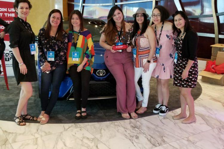 Manejando por Miami en un Toyota Sienna