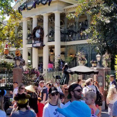 Celebra Halloween en Disneyland